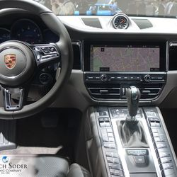 Porsche Macan Facelift with new navigation system